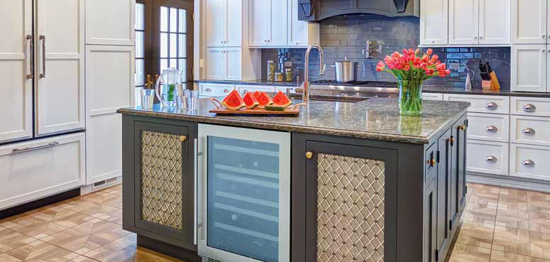 kitchen-island-wine-refridgerator-starmark-cabinetry-walnut-creek