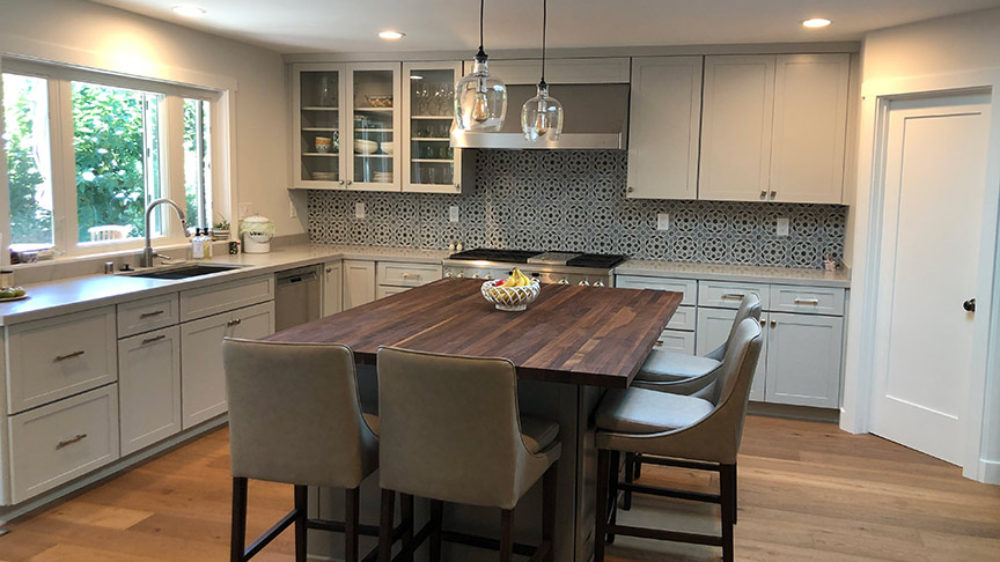Orinda-transitional-kitchen-remodel-shiloh-cabinetry-low-res