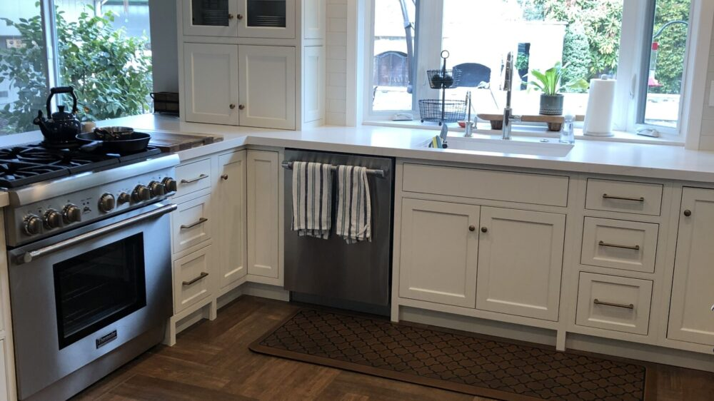 buy-white-cabinets-alamo-distinctive-cabinetry